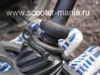кикстартер-на-скутере-объемом-150-CC-ремонт-устройство-установка-.14