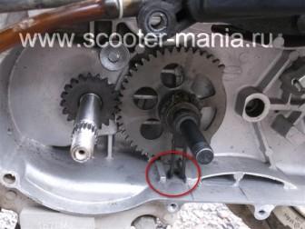кикстартер-на-скутере-объемом-150-CC-ремонт-устройство-установка-.26