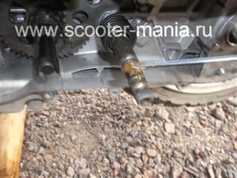 кикстартер-на-скутере-объемом-150-CC-ремонт-устройство-установка-.53