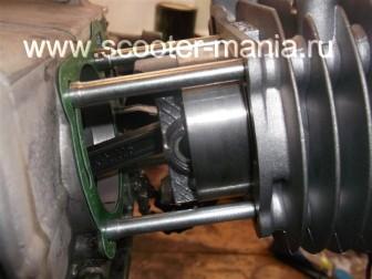 замена-установка-поршневой-на-скутере-4Т-объемом-200-СС79