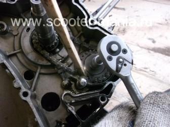 разборка-двигателя-157QMJ-скутера-4t-объемом-150-CC185