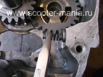 Собираем-КПП-мотоцикла-Восход-3М185