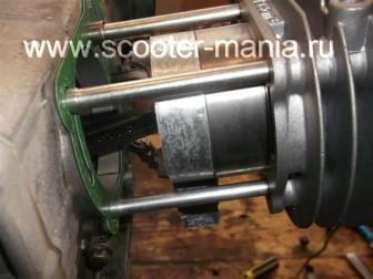 замена-установка-поршневой-на-скутере-4Т-объемом-200-СС69