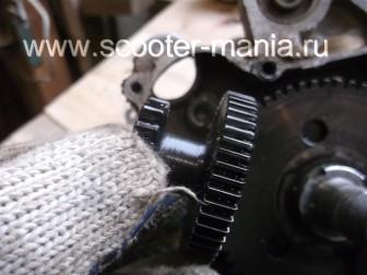 разборка-двигателя-157QMJ-скутера-4t-объемом-150-CC140