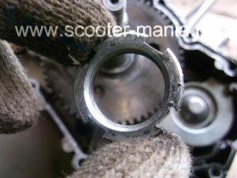 разборка-двигателя-157QMJ-скутера-4t-объемом-150-CC153