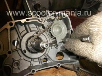 сборка-ремонт-двигателя-157-QMJ-скутера-4т132