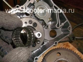 сборка-ремонт-двигателя-157-QMJ-скутера-4т140