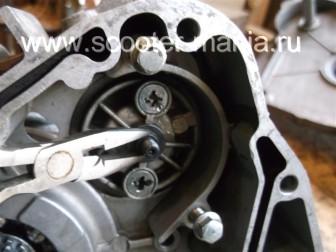 сборка-ремонт-двигателя-157-QMJ-скутера-4т43