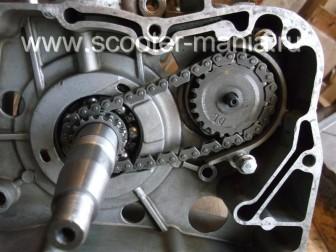 сборка-ремонт-двигателя-157-QMJ-скутера-4т47