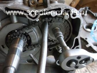 сборка-ремонт-двигателя-157-QMJ-скутера-4т49