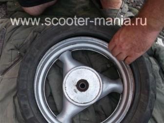 как-разбортировать-колесо-на-скутере25