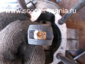 разборка-двигателя-мотороллера-муравей100