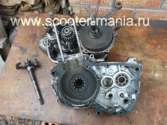разборка-двигателя-мотороллера-муравей114