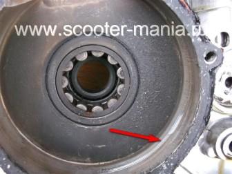 разборка-двигателя-мотороллера-муравей11446