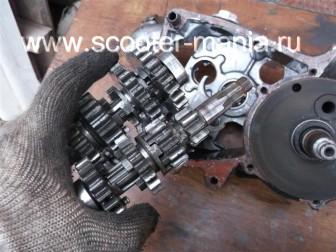 разборка-двигателя-мотороллера-муравей118
