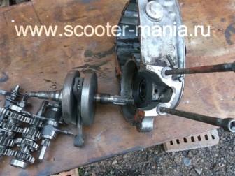 разборка-двигателя-мотороллера-муравей124