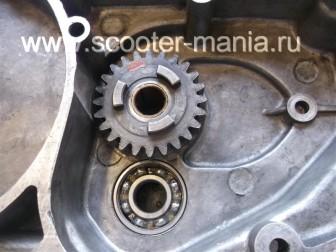 Собираем-КПП-мотоцикла-Восход-3М105