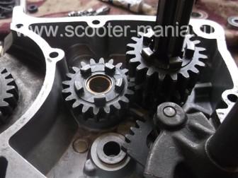 Ремонт-и-сборка-КПП-коробки-мотороллера-муравей126