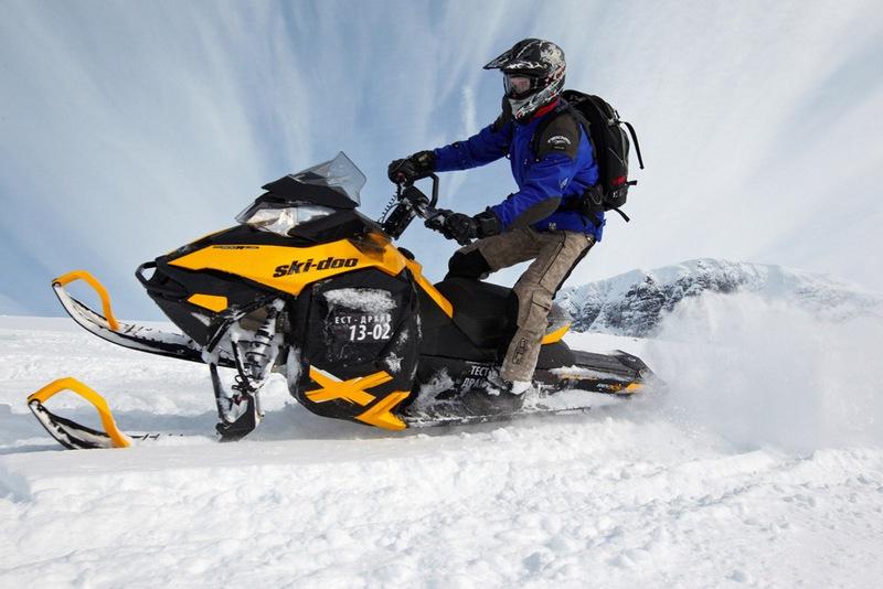 Основы управления снегоходом — советы для новичков