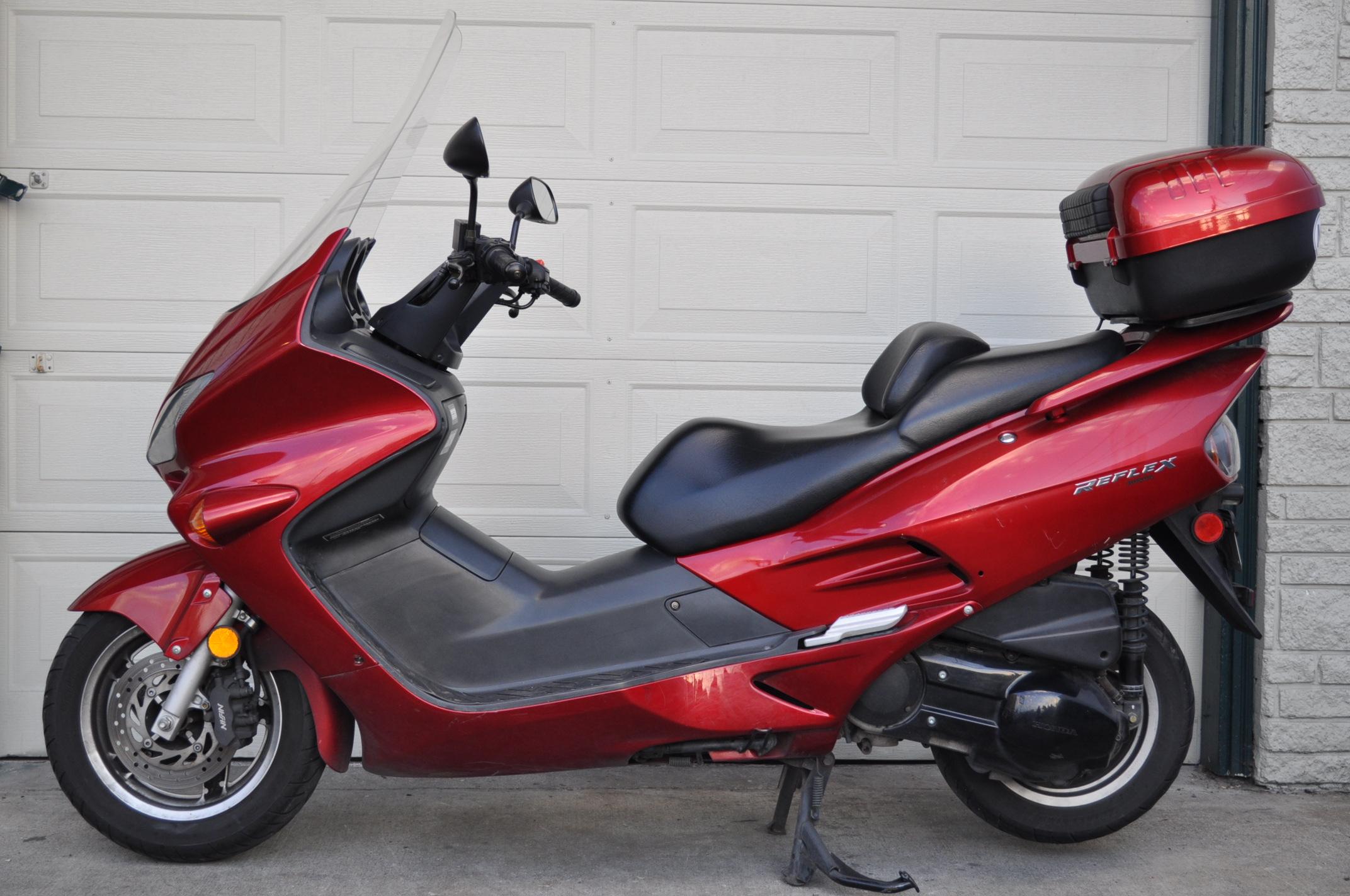 Cкутеры японского  производства – Honda, Yamaha и Suzuki